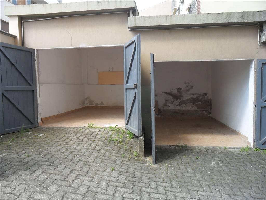 garage-Box-posto auto  in Vendita a Vercelli