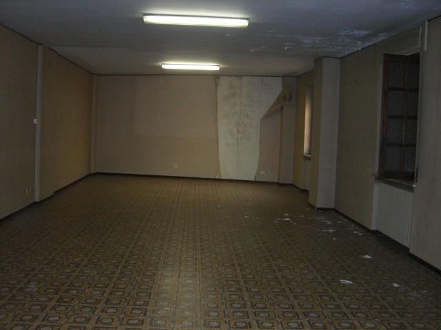 Ufficio / Studio in vendita a Novi Ligure, 12 locali, zona Località: STAZIONE CENTRO URBANO, prezzo € 500.000 | Cambio Casa.it