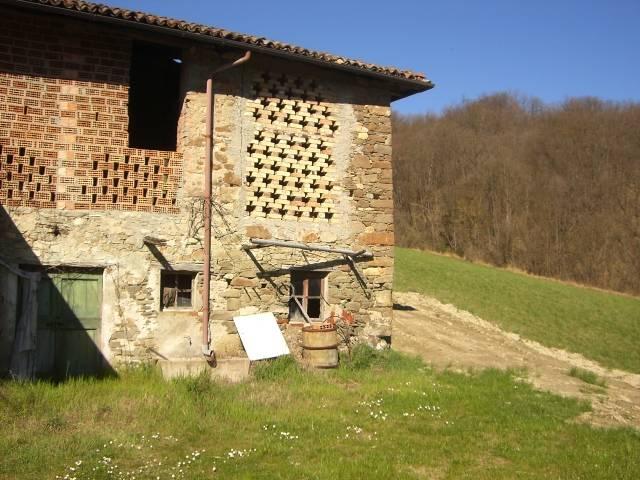 Rustico / Casale in vendita a Avolasca, 10 locali, zona Località: VAL CURORE E GRUE, prezzo € 180.000 | Cambio Casa.it