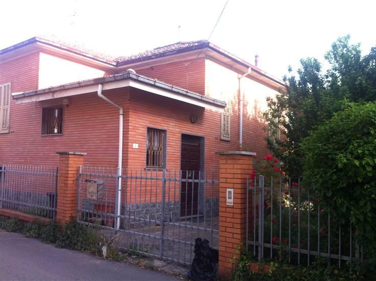 Villa in vendita a Novi Ligure, 6 locali, zona Località: IPPODROMO, prezzo € 200.000 | Cambio Casa.it