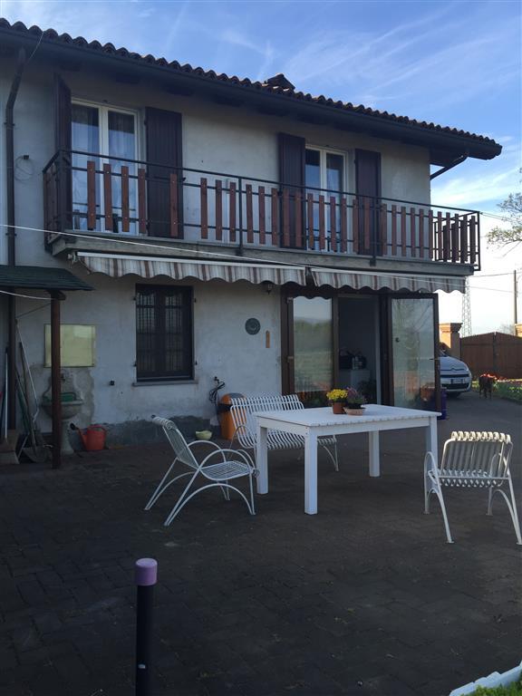Soluzione Indipendente in vendita a Tortona, 8 locali, zona Zona: Bettole di Tortona, prezzo € 187.000 | Cambio Casa.it