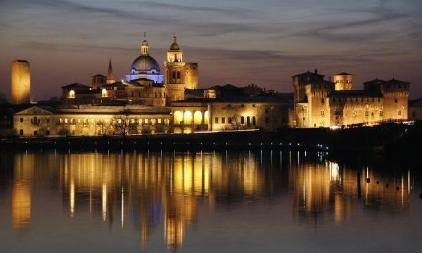 Appartamento in affitto a Mantova, 3 locali, zona Zona: Belfiore, prezzo € 1.200 | CambioCasa.it