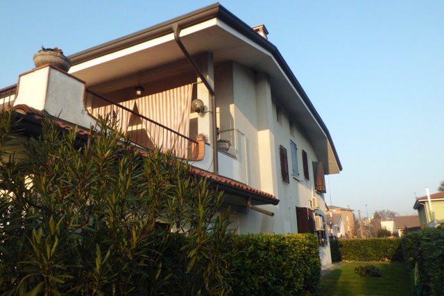 Villa in vendita a Porto Mantovano, 9 locali, zona Zona: Montata Carra, prezzo € 285.000 | Cambio Casa.it