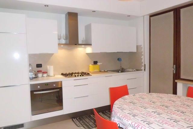 Appartamento in vendita a Porto Mantovano, 6 locali, zona Zona: Sant'Antonio (capoluogo), prezzo € 120.000 | Cambio Casa.it