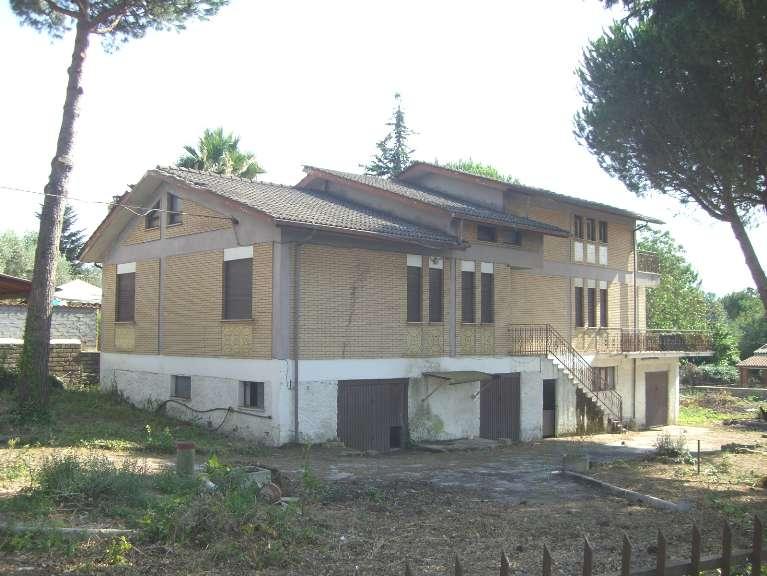 Villa in vendita a Zagarolo, 10 locali, prezzo € 239.000 | CambioCasa.it