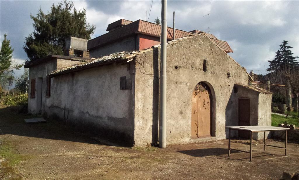 Rustico casale, San Cesareo, da ristrutturare