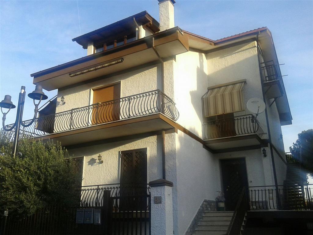 Appartamento in vendita a San Cesareo, 3 locali, prezzo € 119.000 | CambioCasa.it