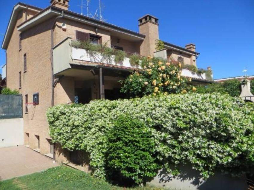 Villa in vendita a San Cesareo, 6 locali, prezzo € 255.000 | CambioCasa.it