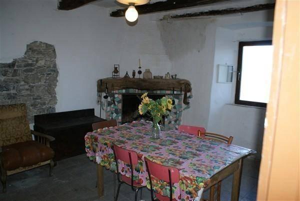 Rustico / Casale in vendita a Fosdinovo, 4 locali, zona Zona: Marciaso, prezzo € 65.000 | CambioCasa.it
