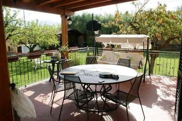 Villa in vendita a Sarzana, 5 locali, zona Località: CAMPONESTO, prezzo € 650.000 | CambioCasa.it