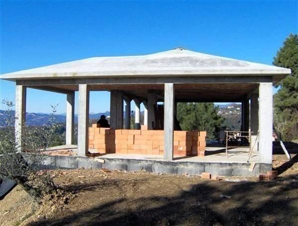 Villa in vendita a Sarzana, 5 locali, zona Località: PRULLA, prezzo € 350.000 | CambioCasa.it