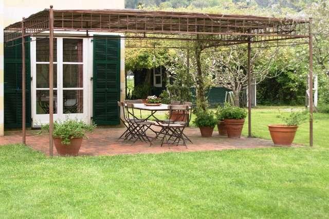 Villa in vendita a Sarzana, 8 locali, zona Località: NAVE, Trattative riservate | CambioCasa.it