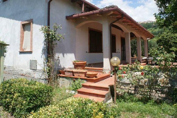 Appartamento in vendita a Castelnuovo Magra, 5 locali, zona Zona: Colombiera, prezzo € 250.000 | Cambio Casa.it