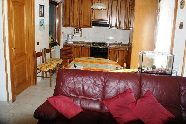 Soluzione Indipendente in vendita a Sarzana, 5 locali, zona Località: CAPPUCCINI, prezzo € 270.000 | Cambio Casa.it