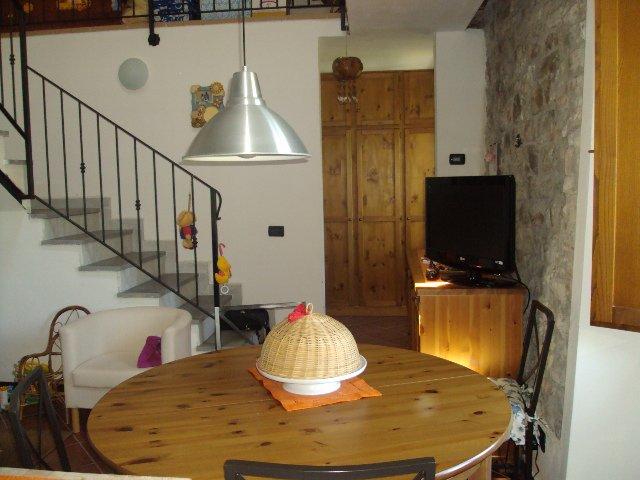 Appartamento in vendita a Fosdinovo, 2 locali, zona Zona: Giucano, prezzo € 155.000 | Cambio Casa.it