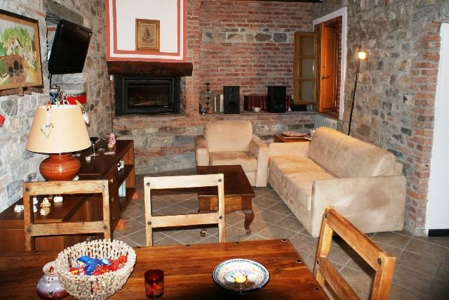 Appartamento in vendita a Fosdinovo, 5 locali, zona Zona: Giucano, prezzo € 180.000 | CambioCasa.it