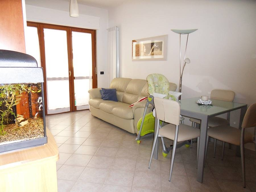 Appartamento in vendita a Santo Stefano di Magra, 3 locali, zona Località: LECLERC, prezzo € 134.000 | CambioCasa.it