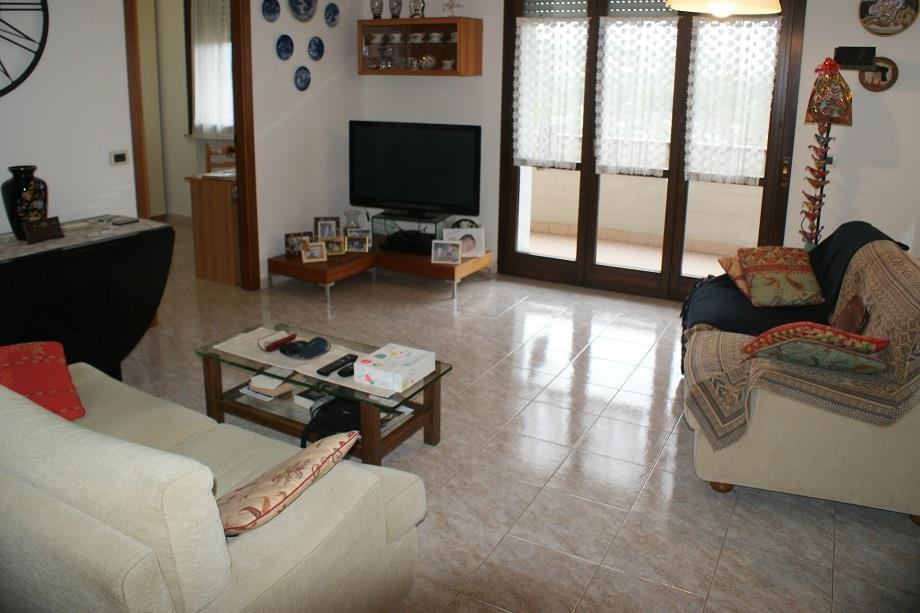 Appartamento in vendita a Aulla, 5 locali, zona Zona: Albiano Magra, prezzo € 170.000 | Cambio Casa.it