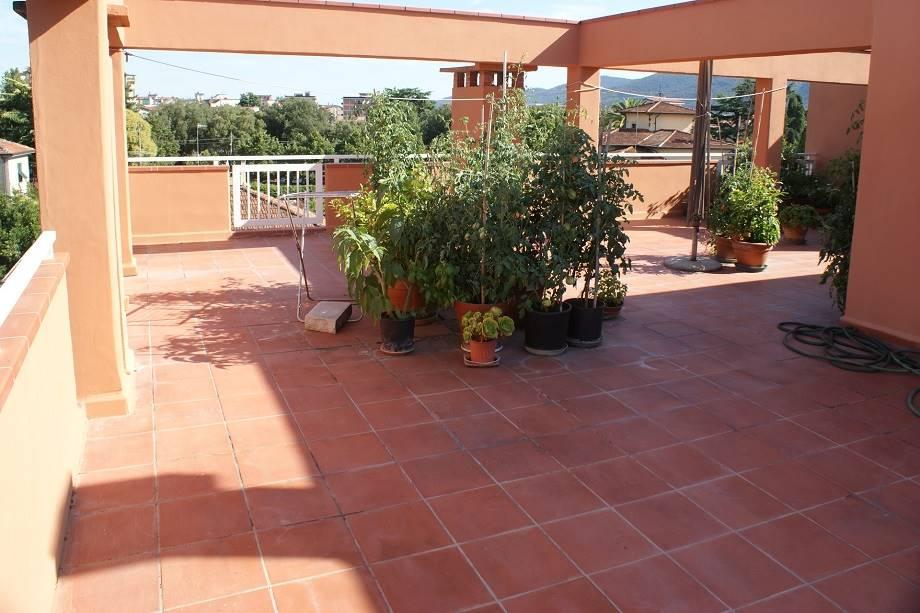 Appartamento in vendita a Sarzana, 5 locali, zona Località: OLMO, prezzo € 268.000 | CambioCasa.it