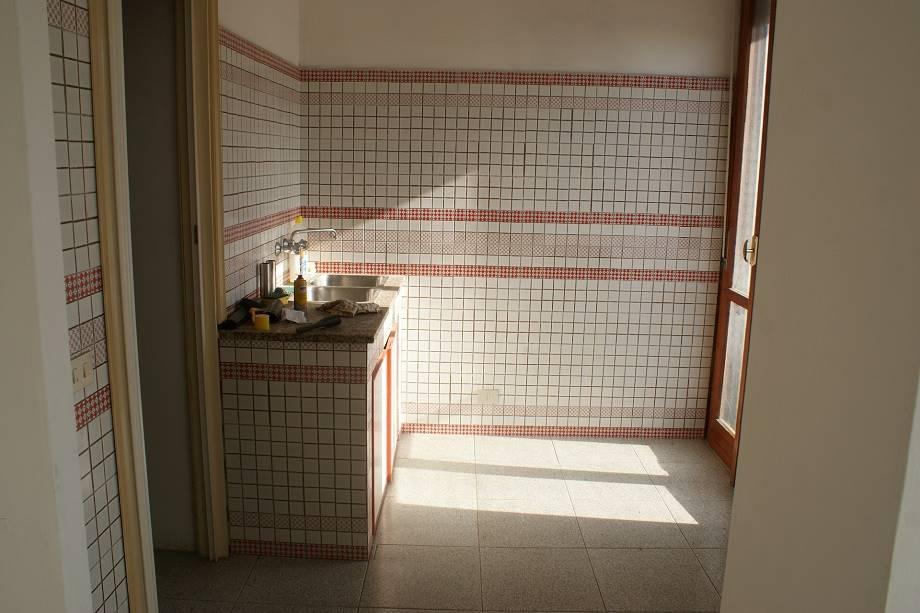 Appartamento in vendita a Sarzana, 5 locali, zona Località: CROCIATA, prezzo € 220.000 | CambioCasa.it