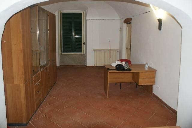 Ufficio / Studio in affitto a Sarzana, 2 locali, zona Località: CENTRO STORICO, prezzo € 600 | Cambio Casa.it