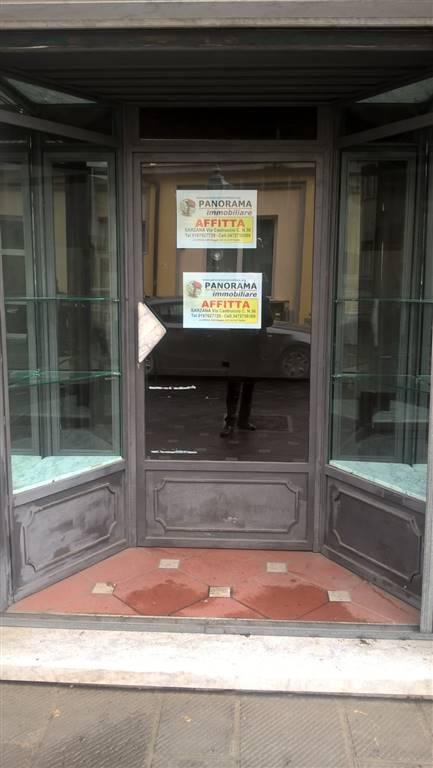 Negozio / Locale in affitto a Sarzana, 1 locali, zona Località: CENTRO STORICO, prezzo € 700 | Cambio Casa.it