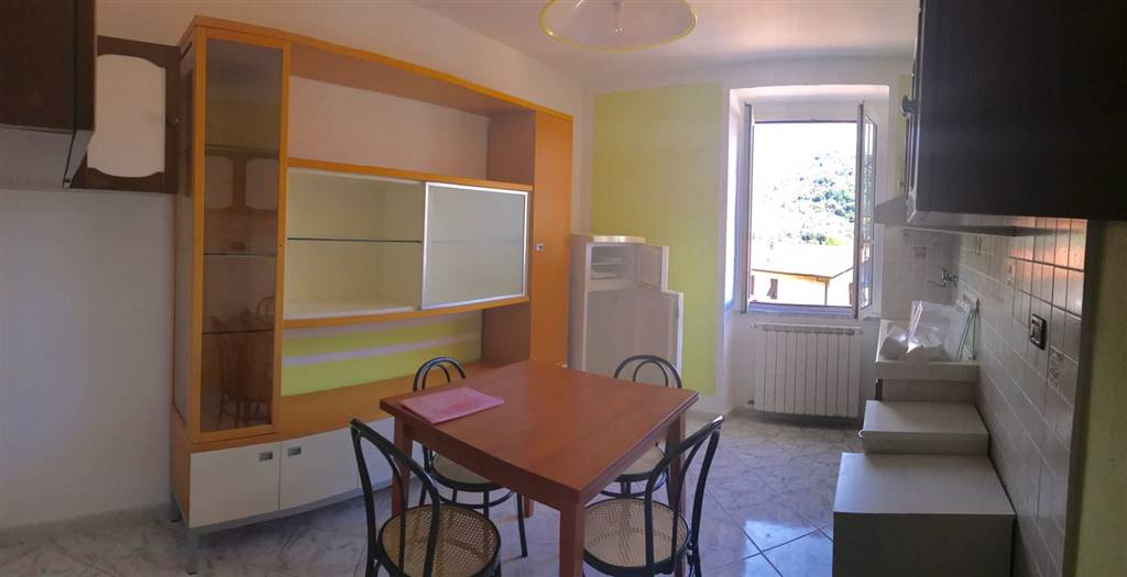 Appartamento in affitto a Follo, 2 locali, zona Zona: Piana Battolla, prezzo € 320 | CambioCasa.it