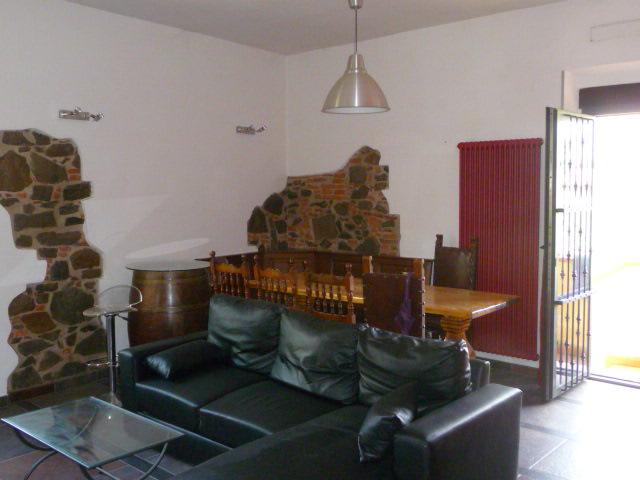 Rustico / Casale in affitto a San Giovanni Valdarno, 5 locali, zona Zona: Campagna, prezzo € 580   Cambiocasa.it