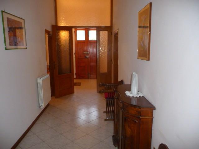 Soluzione Indipendente in affitto a San Giovanni Valdarno, 6 locali, zona Zona: Bani, prezzo € 750 | Cambiocasa.it