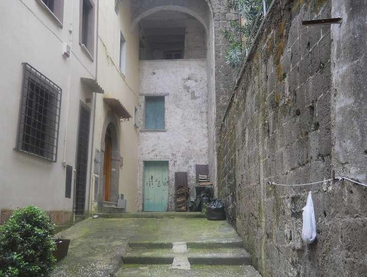 Appartamento in vendita a Sessa Aurunca, 12 locali, prezzo € 37.000 | Cambio Casa.it