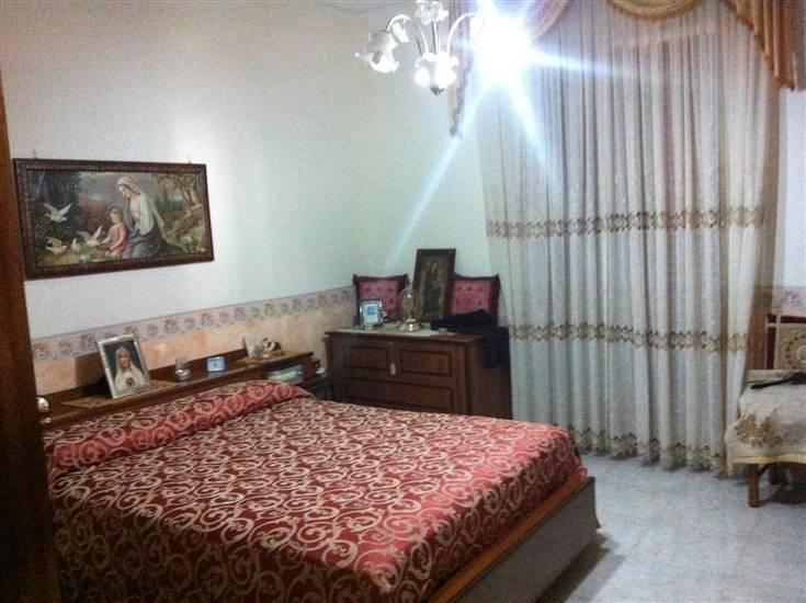Soluzione Indipendente in vendita a Francolise, 8 locali, prezzo € 160.000 | Cambio Casa.it