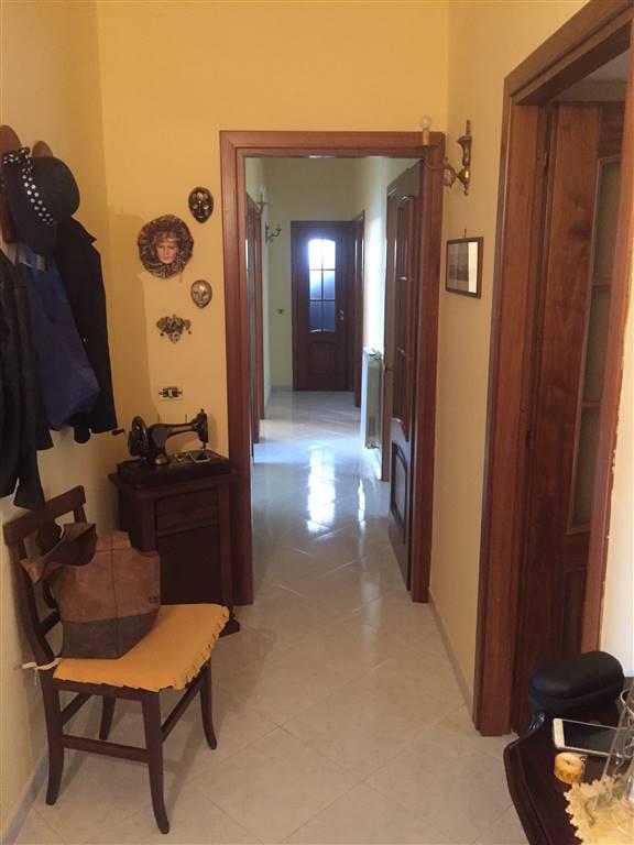Appartamento in vendita a Sessa Aurunca, 5 locali, prezzo € 120.000 | Cambio Casa.it