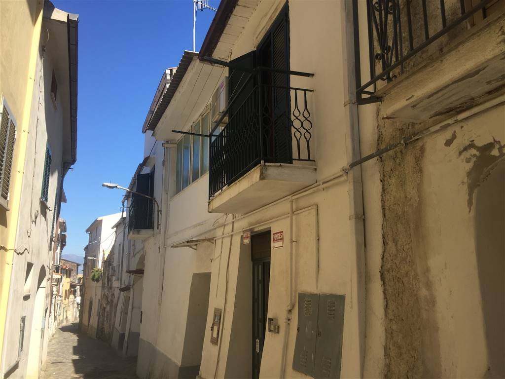 Appartamento in vendita a Sessa Aurunca, 4 locali, zona Località: PIEDIMONTE, prezzo € 39.000 | CambioCasa.it