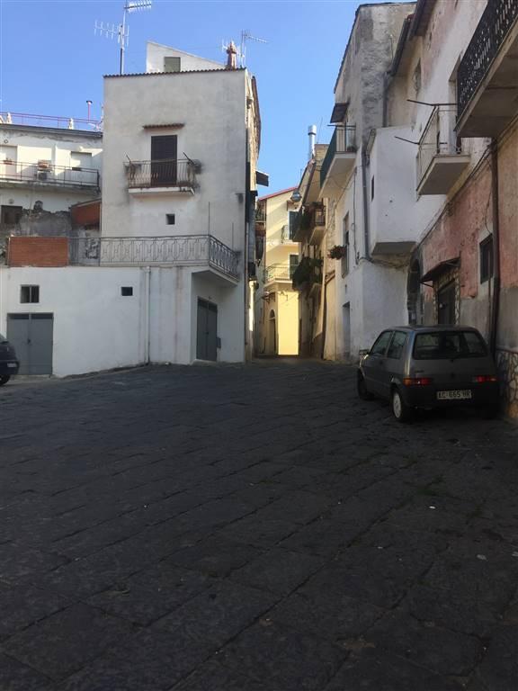 Appartamento in vendita a Sessa Aurunca, 3 locali, zona Località: RONGOLISE, prezzo € 20.000 | CambioCasa.it