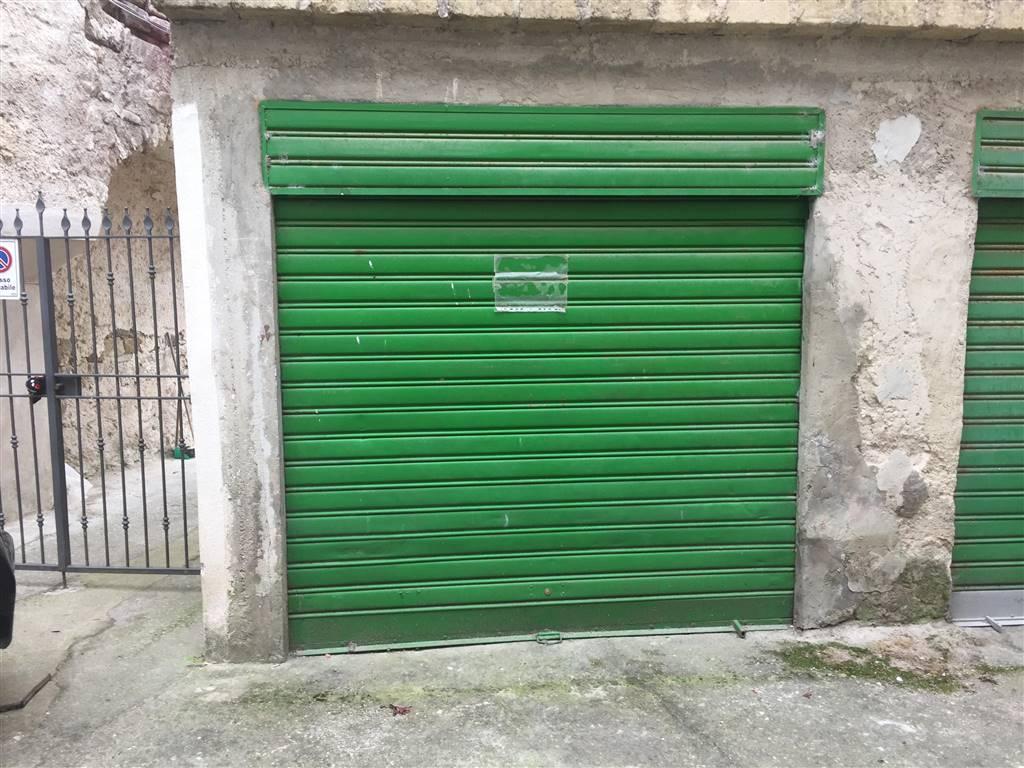 garage-Box-posto auto  in Affitto a Sessa Aurunca