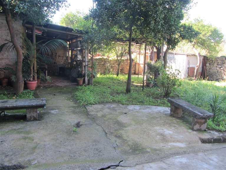 Casa semi indipendente a ROCCAPIEMONTE 285 Mq | 9 Vani | Giardino 200 Mq