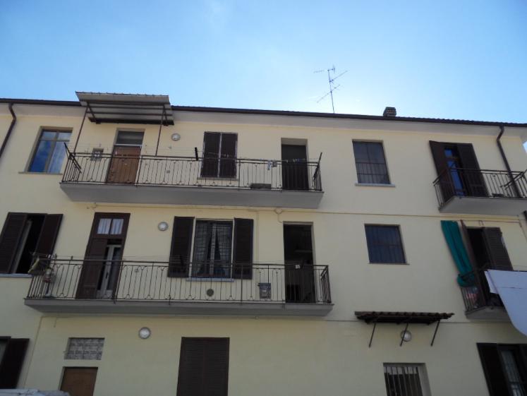 Appartamento in affitto a Monza, 2 locali, zona Zona: 7 . San Biagio, Cazzaniga, prezzo € 500 | Cambio Casa.it