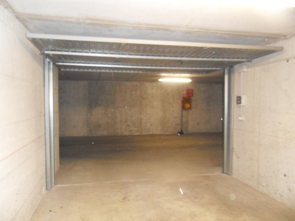 Garage / Posto auto in Via Cairoli 2, San Fruttuoso, Triante, San Carlo, San Giuseppe, Monza