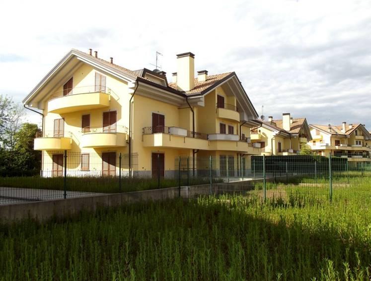 Attico / Mansarda in vendita a Usmate Velate, 3 locali, zona Zona: Usmate, prezzo € 175.000 | CambioCasa.it