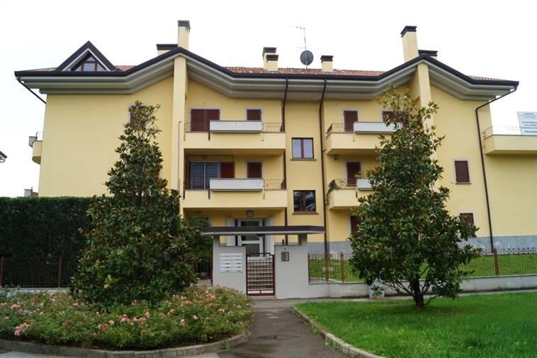Appartamento in vendita a Usmate Velate, 4 locali, zona Zona: Usmate, prezzo € 250.000 | Cambio Casa.it