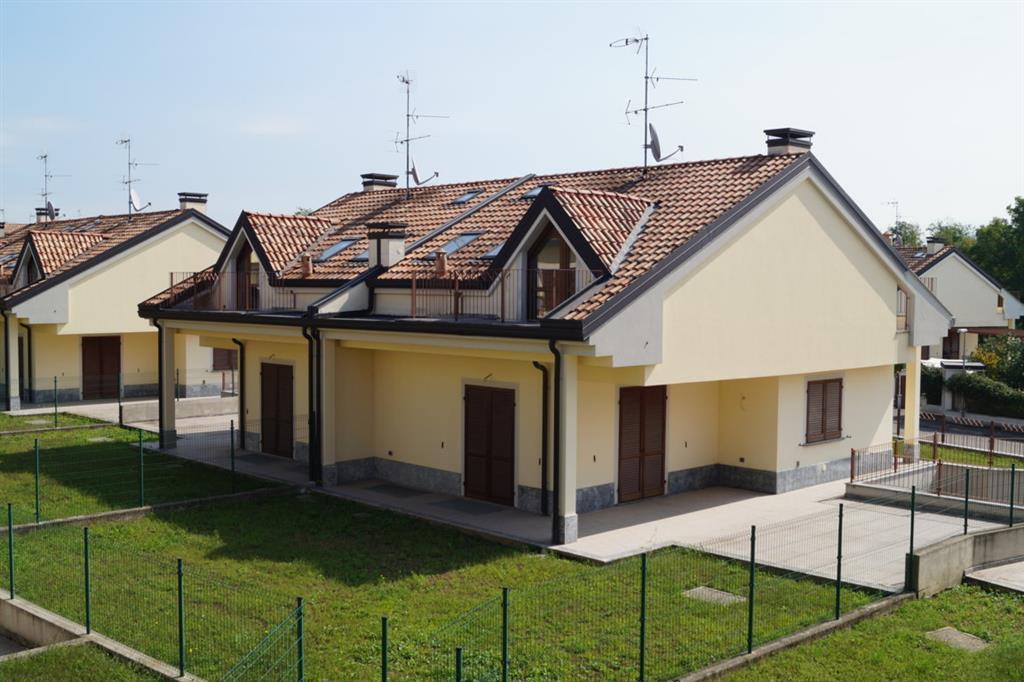 Villa Bifamiliare in vendita a Usmate Velate, 3 locali, zona Zona: Velate, prezzo € 300.000 | Cambio Casa.it