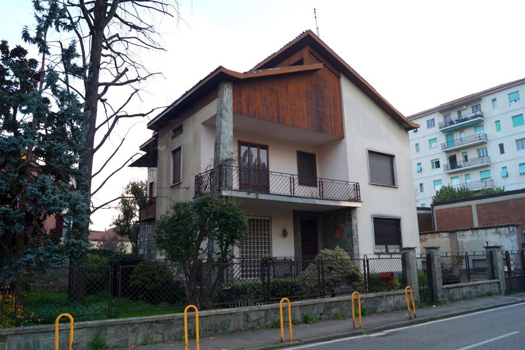 Villa in vendita a Monza, 8 locali, zona Località: SAN GIUSEPPE, prezzo € 600.000 | Cambio Casa.it