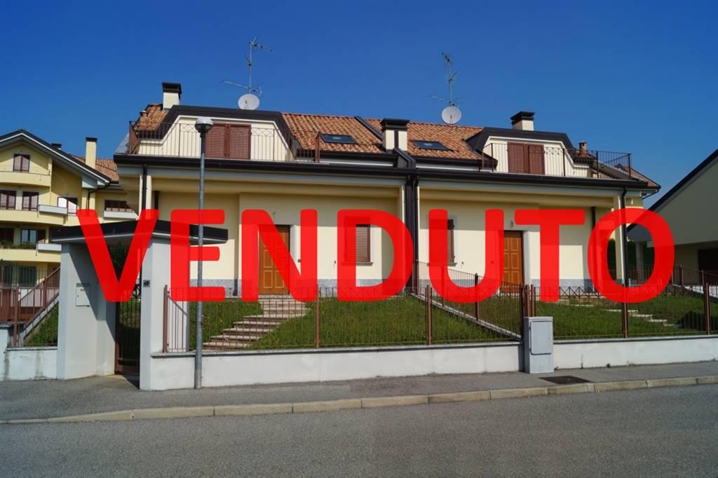 Villa Bifamiliare in vendita a Usmate Velate, 4 locali, zona Zona: Velate, prezzo € 350.000 | Cambio Casa.it