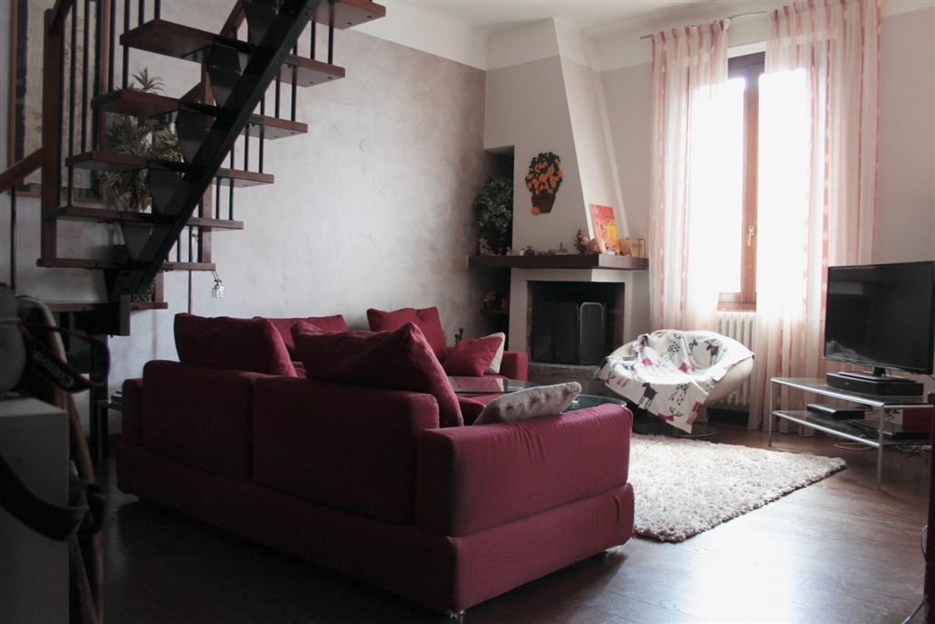 Appartamento in vendita a Vimercate, 5 locali, prezzo € 380.000 | CambioCasa.it