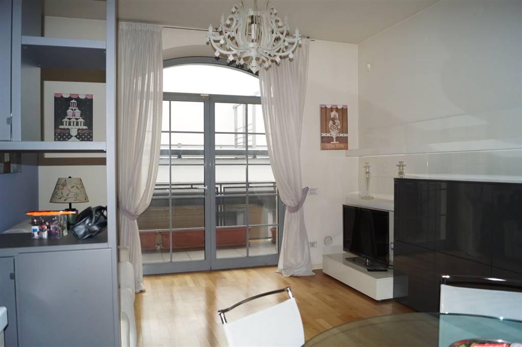 Appartamento in affitto a Monza, 3 locali, zona Zona: 1 . Centro Storico, San Gerardo, Via Lecco, prezzo € 1.200   CambioCasa.it