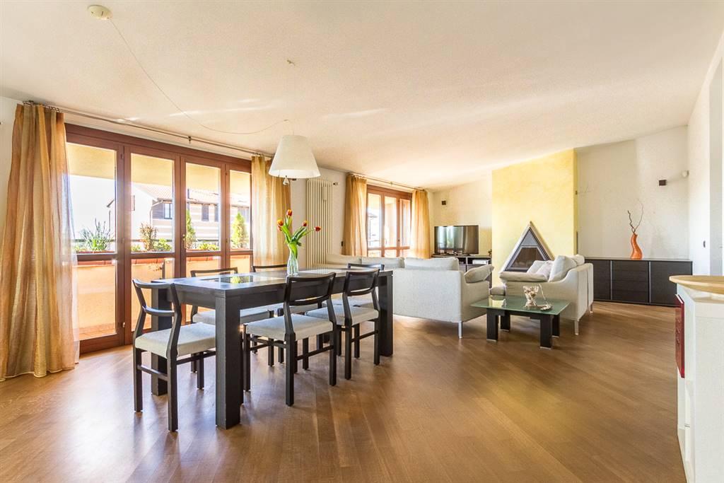 Appartamento in vendita a Seregno, 3 locali, prezzo € 215.000 | Cambio Casa.it