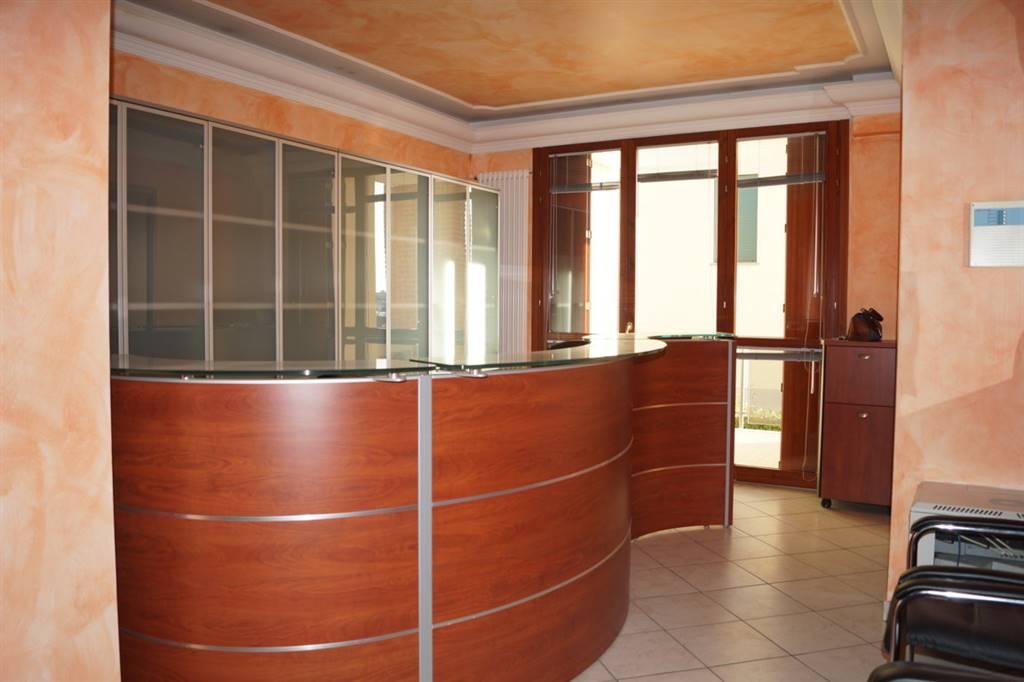 Ufficio / Studio in affitto a Ornago, 2 locali, prezzo € 500 | CambioCasa.it