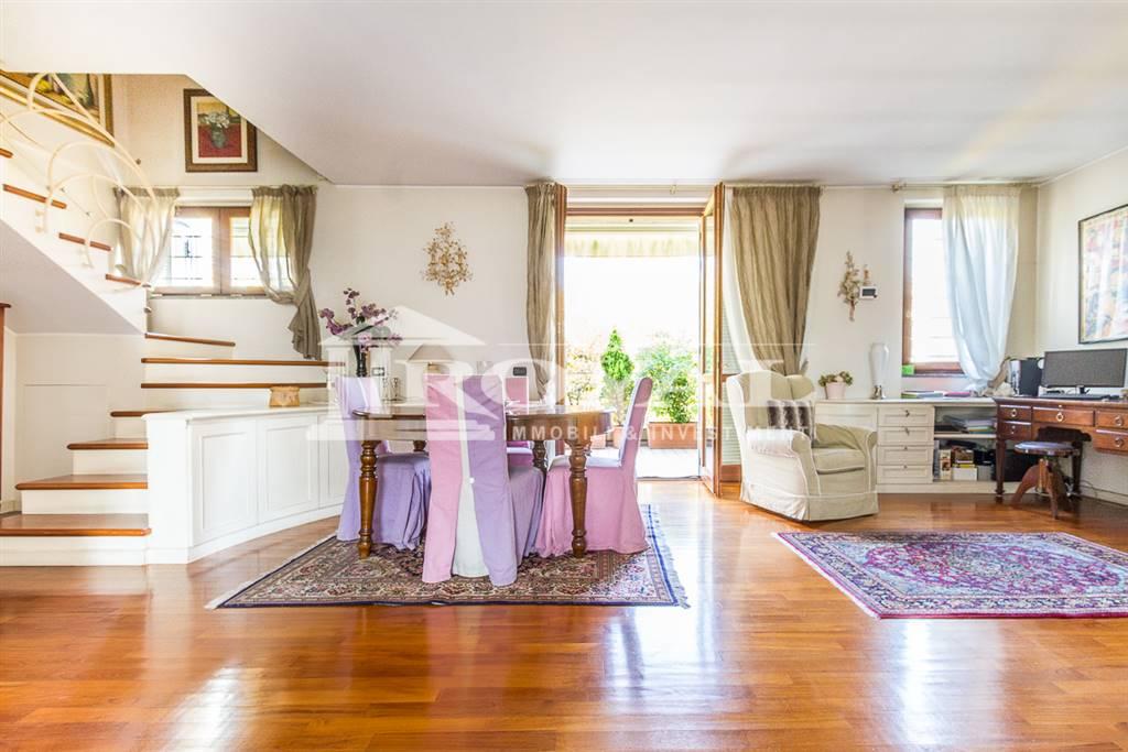 Appartamento in vendita a Monza, 4 locali, zona Zona: 5 . San Carlo, San Giuseppe, San Rocco, prezzo € 548.000 | CambioCasa.it