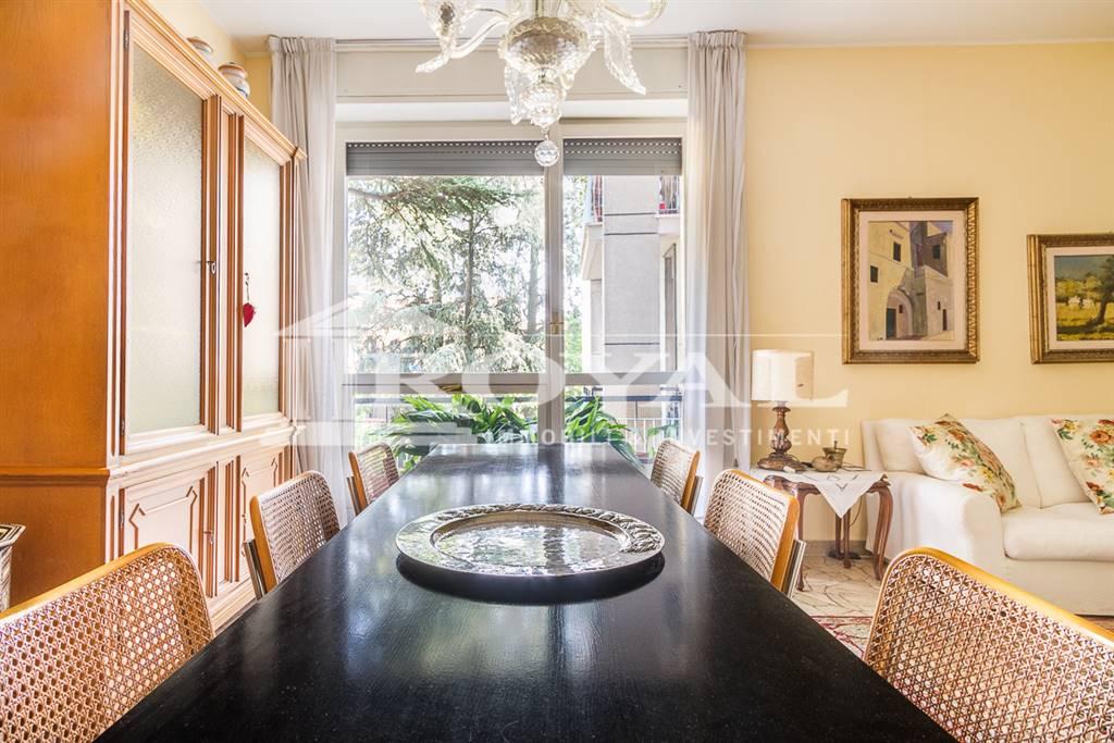 Appartamento in Vendita a Monza:  4 locali, 120 mq  - Foto 1