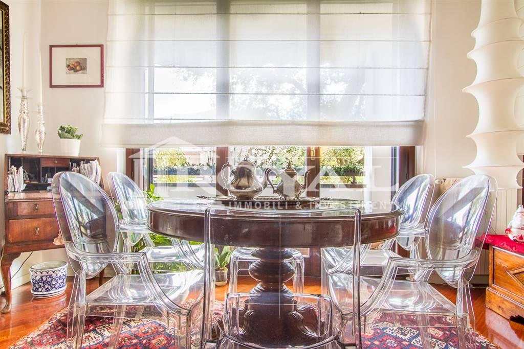 Villa in Vendita a Ronco Briantino:  5 locali, 290 mq  - Foto 1